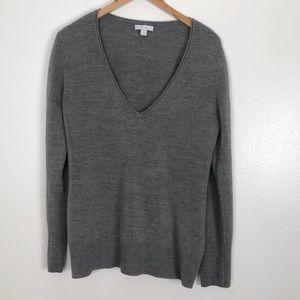 New York & Company gray V-neck sweater size XL